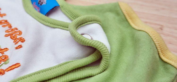 Druckknopf an Babykleidung tauschen
